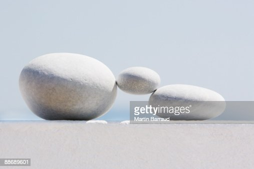 Small stone supported by larger stones