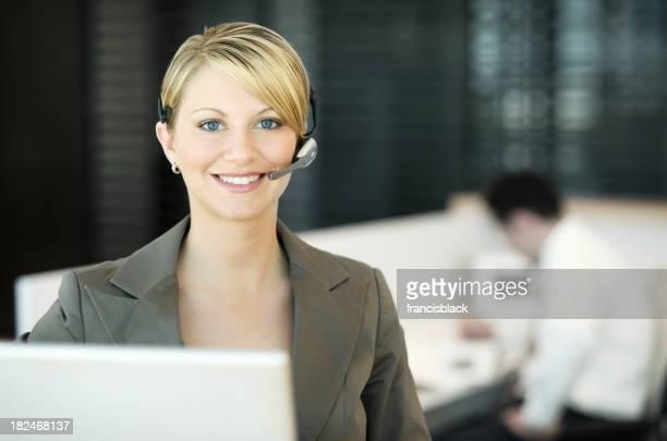Femme d'affaires souriante Réceptionniste
