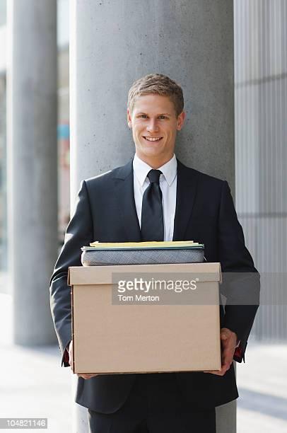 Lächelnd Anwalt, die Dateien und box
