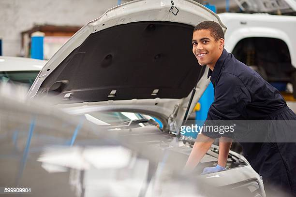 Lächelnd Mechaniker