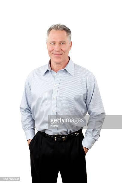 Lächelnd mittleren Alter Mann mit blauen Hemd mit Streifen
