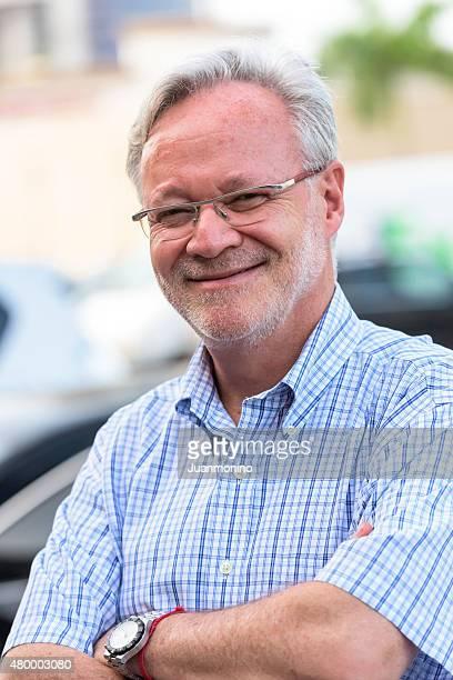 Lächelnd senior Mann