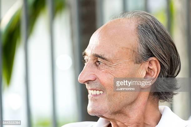 Souriant homme Senior