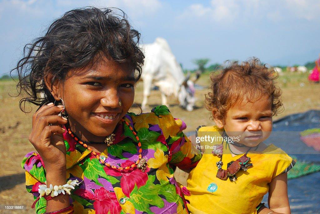 Smiling siblings : Stock Photo