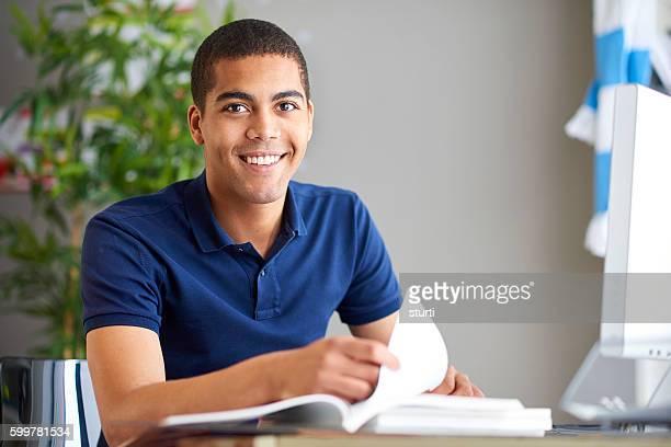 Sonriente Estudiante
