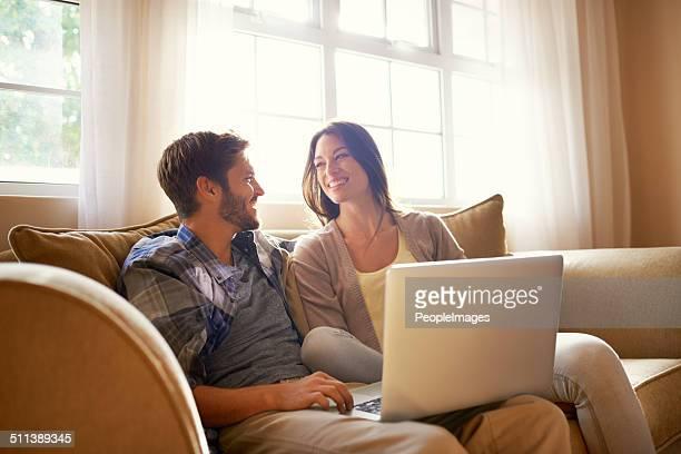 Lächeln zusammen über social media