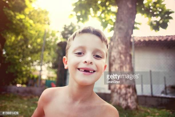 Zahnlose Kind Lächeln