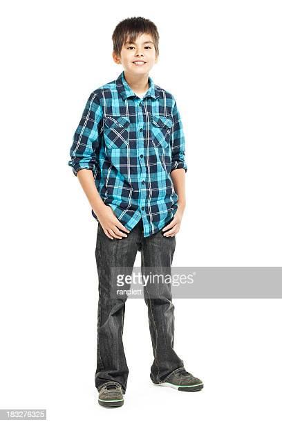 Jeune garçon souriant-isolé sur blanc