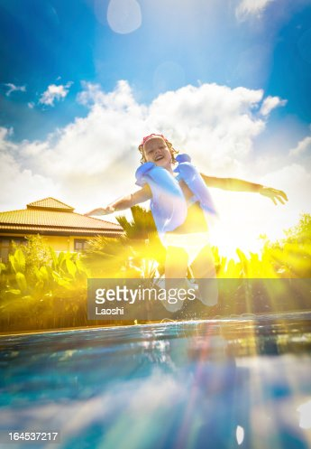 Family Poolside Stock Photos And Pictures Getty Images