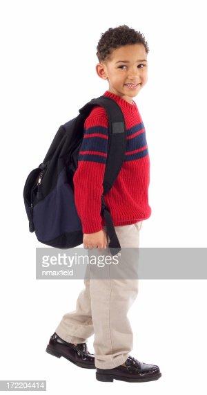 Sorridente Menino de escola jovem