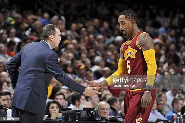 R Smith of the Cleveland Cavaliers and David Blatt are seen during the game against the Oklahoma City Thunder on December 17 2015 at The Quicken...