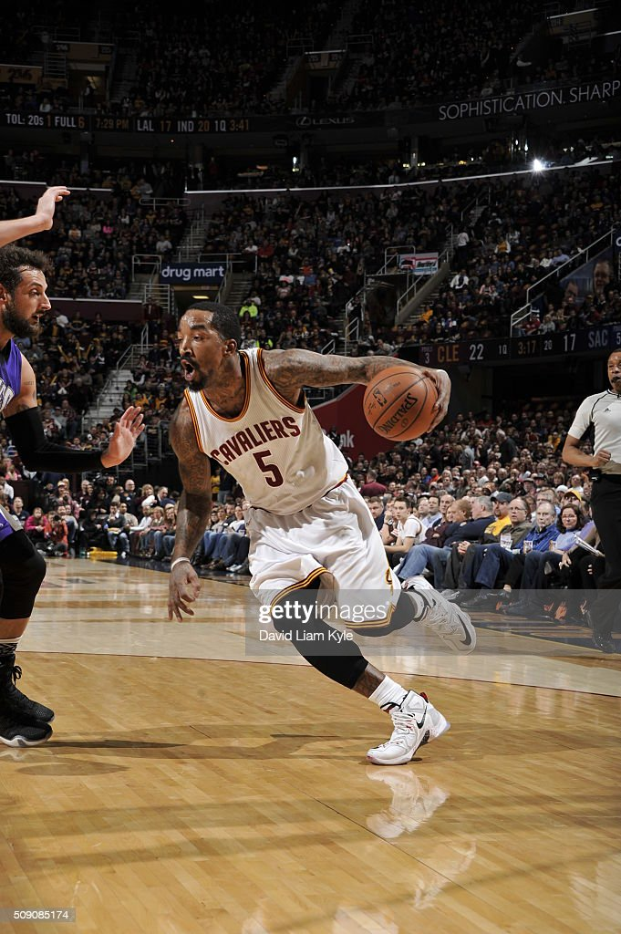 <a gi-track='captionPersonalityLinkClicked' href=/galleries/search?phrase=J.R.+Smith&family=editorial&specificpeople=201766 ng-click='$event.stopPropagation()'>J.R. Smith</a> #5 of the Cleveland Cavaliers drives to the basket against the Sacramento Kings on February 8, 2016 at Quicken Loans Arena in Cleveland, Ohio.