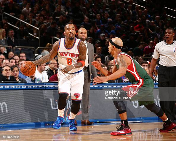 R Smith of the New York Knicks drives up the court against the Milwaukee Bucks during the game on January 4 2015 at Madison Square Garden in New York...