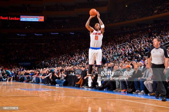 R Smith of the New York Knicks shoots a threepointer against the Atlanta Hawks at Madison Square Garden on January 27 2013 in New York New York NOTE...