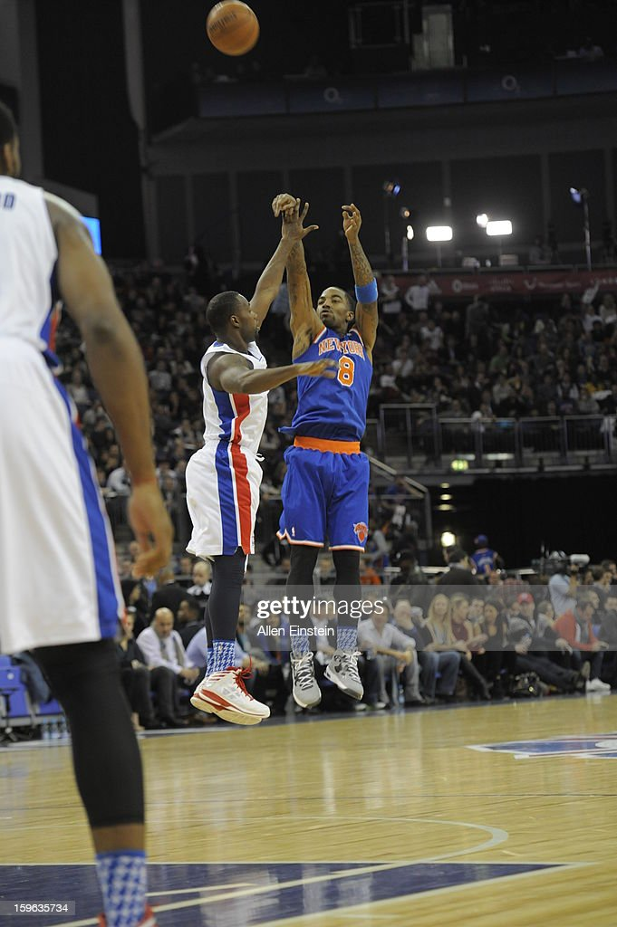 J.R. Smith #8 of the New York Knicks shoots against Rodney Stuckey #3 of the Detroit Pistons during a game at the 02 Arena on January 17, 2013 in London, England.