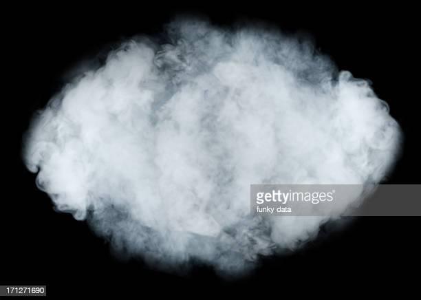Nuage de fumée sur fond noir