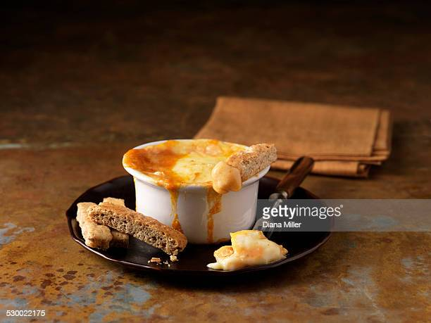 Smoked haddock fondue with bread slices