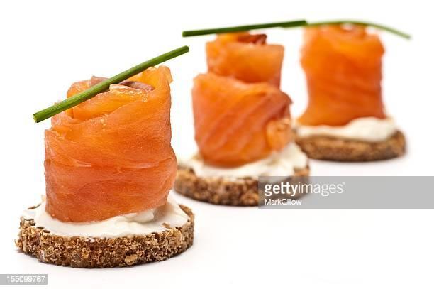 Canap traiteur photos et images de collection getty images for Hors d oeuvre avec saumon fume