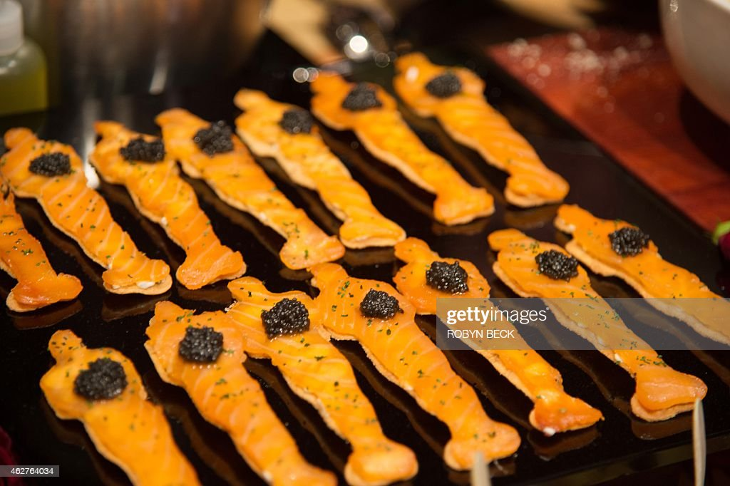 Smoked salmon Oscar matzo hors d'oeuvres are displayed at the food and decor preview February 4 2015 of this years Governors Ball the postOscar...