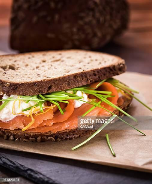Sandwich au saumon fumé