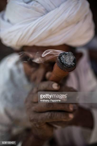 Smokes with cilum