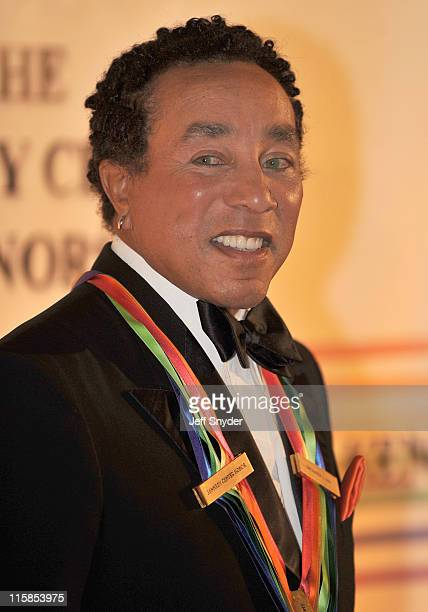 Smokey Robinson a 2006 honoree arriving at The 30th Kennedy Center Honors on December 2 in Washington DC The 2007 honorees are pianist Leon Fleisher...