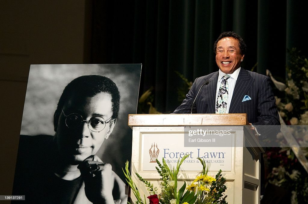 <a gi-track='captionPersonalityLinkClicked' href=/galleries/search?phrase=Smokey+Robinson&family=editorial&specificpeople=210698 ng-click='$event.stopPropagation()'>Smokey Robinson</a> pays tribute to Don Cornelius at his Memorial Service on February 16, 2012 in Los Angeles, California.