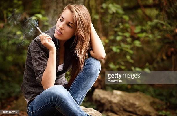 Fumar de rapariga