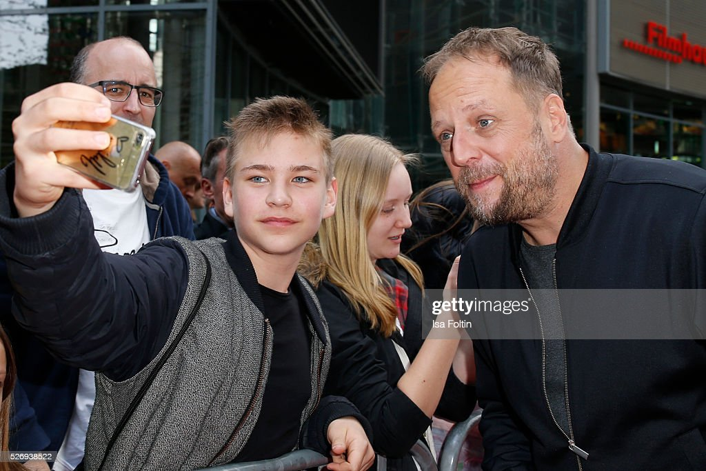 Smudo with fans during the Berlin premiere of the film 'Angry Birds - Der Film' at CineStar on May 1, 2016 in Berlin, Germany.
