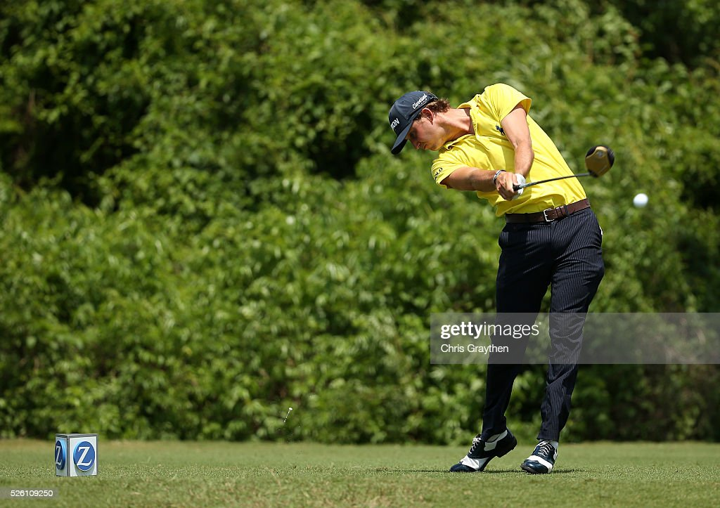 <a gi-track='captionPersonalityLinkClicked' href=/galleries/search?phrase=Smylie+Kaufman&family=editorial&specificpeople=13916602 ng-click='$event.stopPropagation()'>Smylie Kaufman</a> tees off on the second hole during the second round of the Zurich Classic of New Orleans at TPC Louisiana on April 29, 2016 in Avondale, Louisiana.