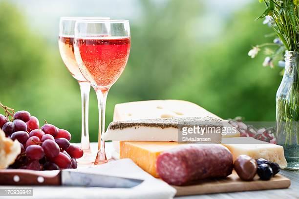 Ingrédients en-cas de dégustation de fromages et vins