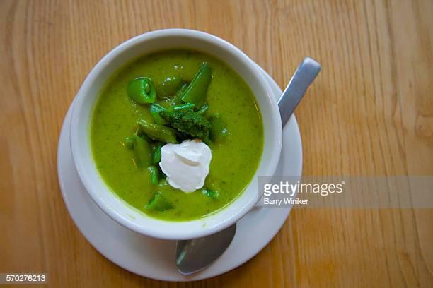 Snap pea soup