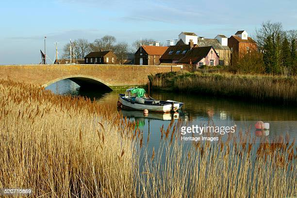 Snape Suffolk A small village on the River Alde near the Suffolk coast Snape is best known for its Maltings a group of buildings formerly used to...