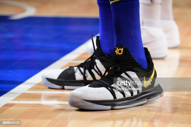 Sneakers of Kevin Durant of the Golden State Warriors during the game against the Detroit Pistons on December 8 2017 at Little Caesars Arena in...