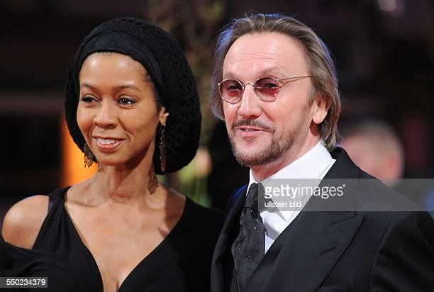 Sänger Marius MüllerWesternhagen und Ehefrau Romney anlässlich des Eröffnungsfilms Tuahn Yuan während der 60 Internationalen Filmfestspiele in Berlin
