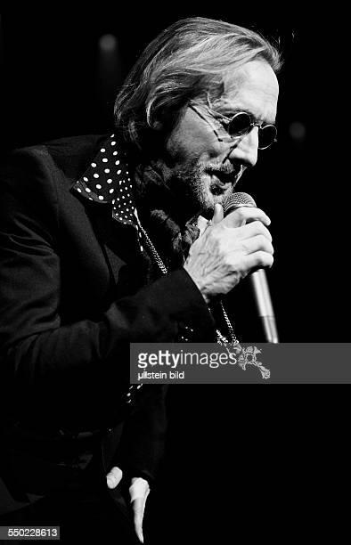 Sänger Marius MüllerWesternhagen während eines Konzertes in der O2World in Berlin