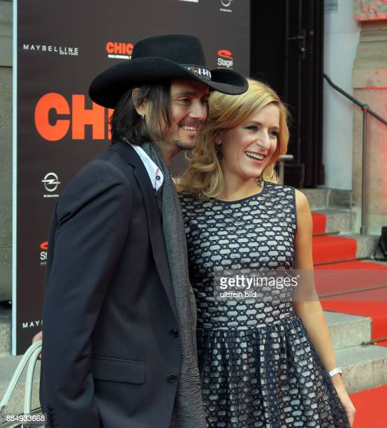 Sängerin Stefanie Hertel und Ehemann Lanny aufgenommen bei der Premiere vom Musical Chicago im Stage Theater des Westens in Berlin Charlottenburg