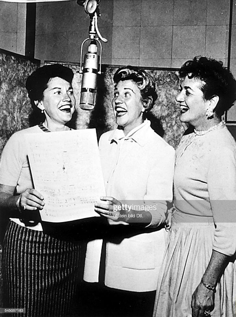 Sängerinnen, Gesangstrio, USAbei Aufnahme im Studio- 1958