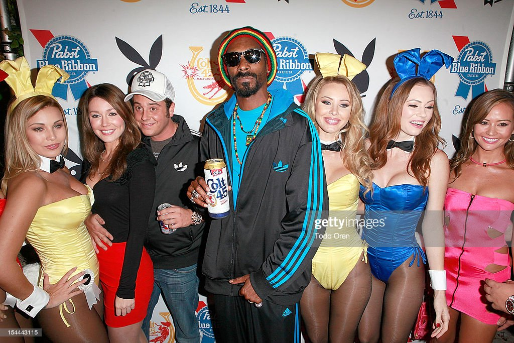 <a gi-track='captionPersonalityLinkClicked' href=/galleries/search?phrase=Snoop+Dogg&family=editorial&specificpeople=175943 ng-click='$event.stopPropagation()'>Snoop Dogg</a> and Evan Metropoulos pose at the <a gi-track='captionPersonalityLinkClicked' href=/galleries/search?phrase=Snoop+Dogg&family=editorial&specificpeople=175943 ng-click='$event.stopPropagation()'>Snoop Dogg</a> Presents: Colt 45 Works Every Time at The Playboy Mansion Party with Evan and Daren Metropulos on October 19, 2012 in Beverly Hills, California.