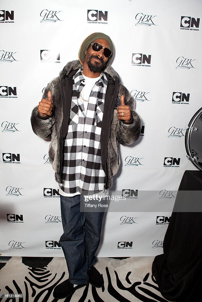 Snoop Dogg attends the GBK & Cartoon Network's Official Backstage Thank You Lounge at Barker Hangar on February 9, 2013 in Santa Monica, California.