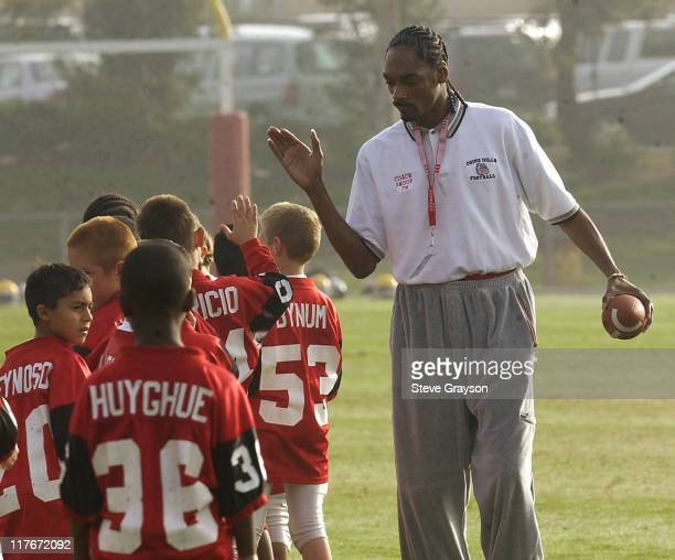 Snoop Dogg coaches Chino Hills Pop Warner Football team