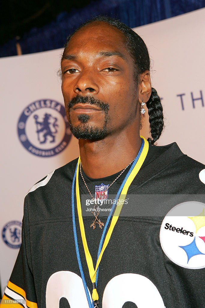 Snoop Dogg during The Chelsea Football Club, Adidas and the William Morris Agency Host 'The Hit The Ground Running' Party at Skybar in Los Angeles, California, United States. (Photo by John Shearer/WireImage for William Morris Agency ( WMA ))