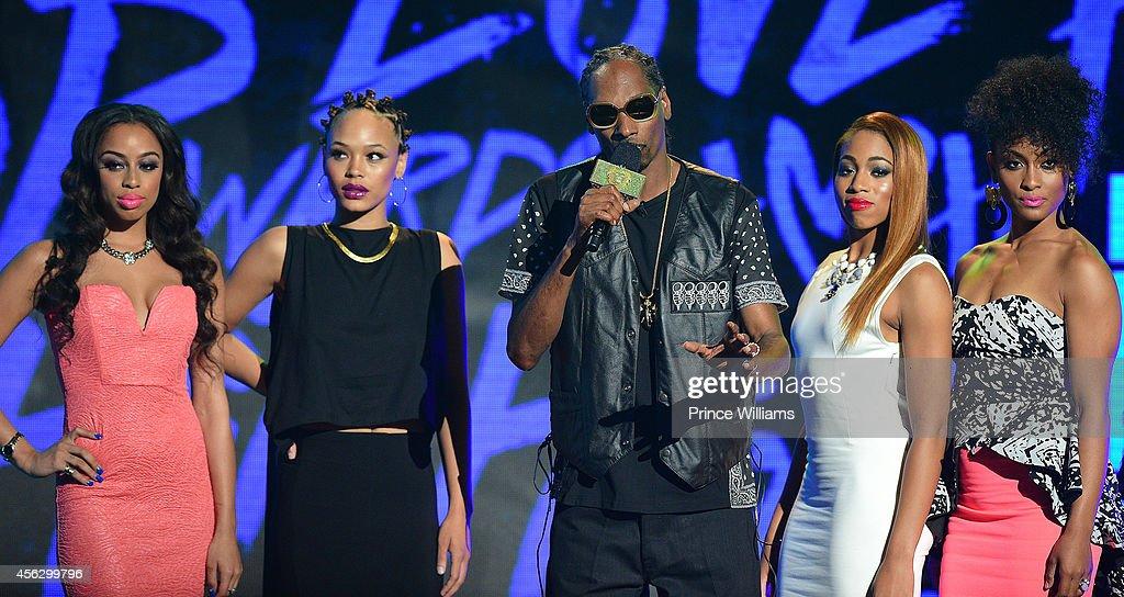 Snoop Dogg onstage at the BET Hip Hop awards at Boisfeuillet Jones Atlanta Civic Center on September 20 2014 in Atlanta Georgia