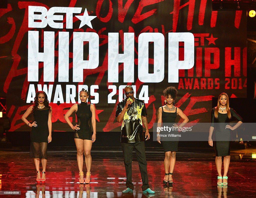 Snoop Dogg performs at the BET Hip Hop awards at Boisfeuillet Jones Atlanta Civic Center on September 20 2014 in Atlanta Georgia