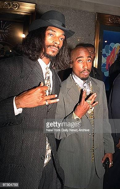 Snoop Doggy Dog and Tupac Shakur arriving at the MTV Video Music Awards at Radio City