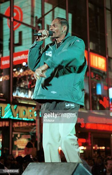 Snoop Doggy Dog during Snoop Doggy Dog at MTV Studios at MTV Studios in Time Square in New York City New York United States