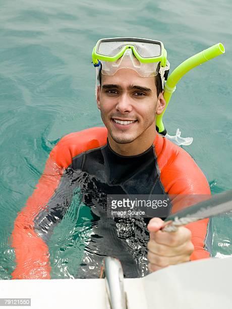 Snorkeler sich auf dem Boot