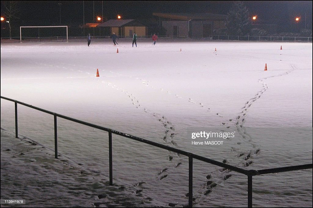 Snow and cold weather in eastern France, On January 26, 2006-Erstein, a local team training on a football field covered in snow in the Bas Rhin region.