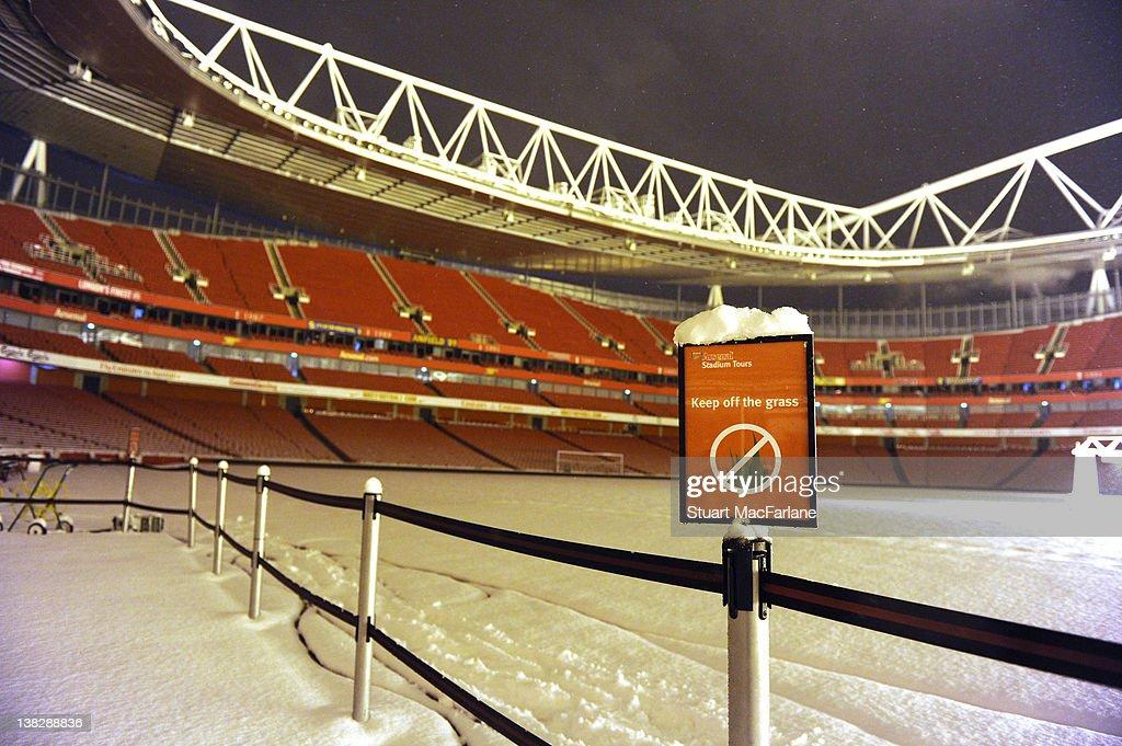 emirates stadium snow