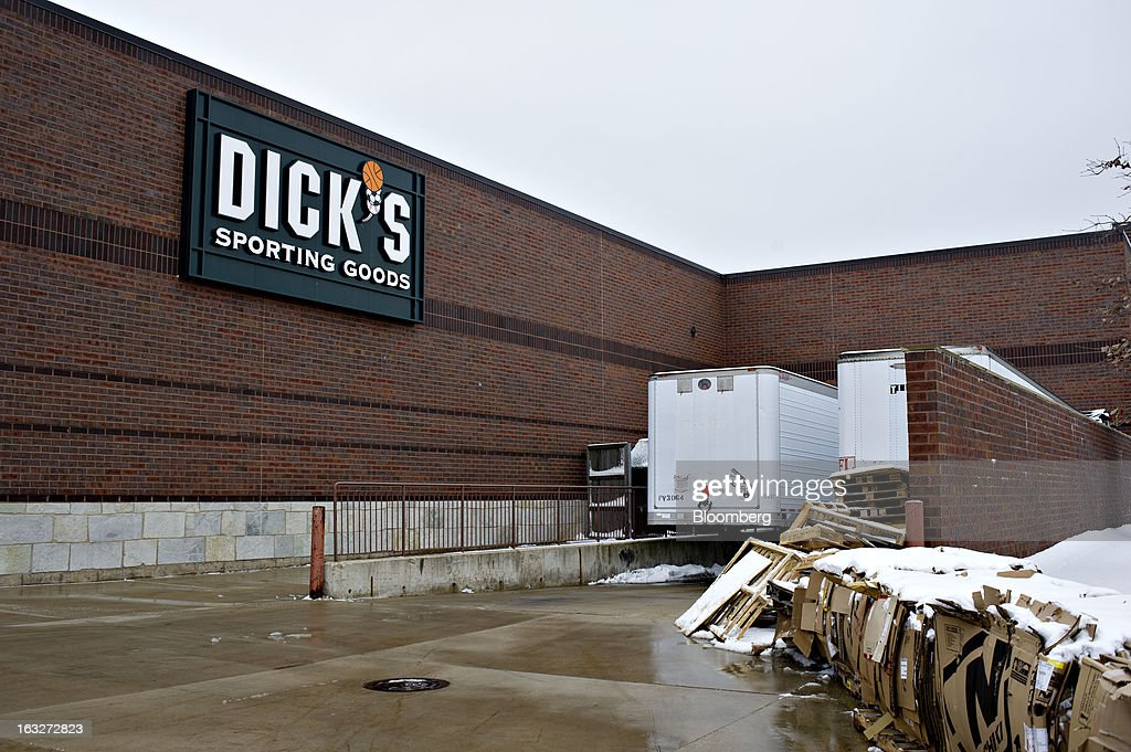Snow covered cardboard sits near the loading dock of a Dick's Sporting Goods Inc. store in Peoria, Illinois, U.S., on Wednesday, March 6, 2013. Dick's Sporting Goods, the largest U.S. sporting-goods chain, is scheduled to report quarterly earnings on March 11. Photographer: Daniel Acker/Bloomberg via Getty Images